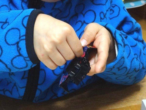 TOYz BAR☆幼稚園児がミニ四駆を組み立て。