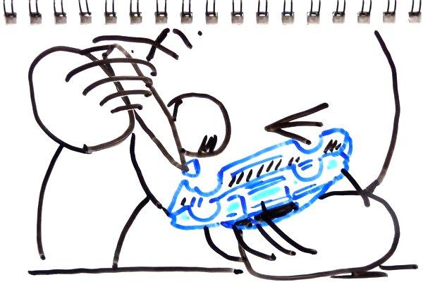 プラスチック玩具が割れた時の修理方法。瞬間接着剤で接着して紙で補強するとなかなか丈夫でよろし。