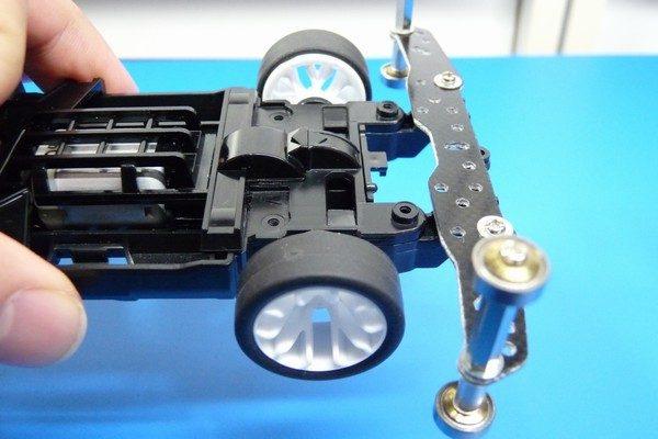 TOYz BAR☆ミニ四駆MSシャーシのリヤユニットが上下可動できるように加工。リヤユニット。