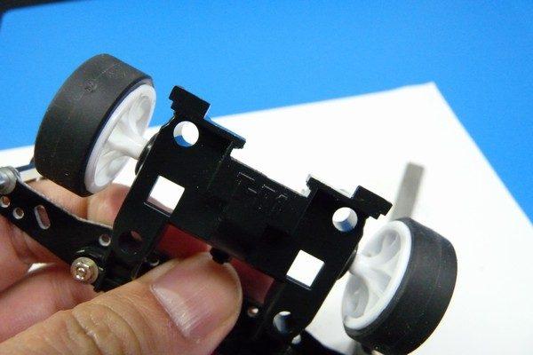 TOYz BAR☆ミニ四駆MSシャーシのリヤユニットが上下可動できるように加工。リヤユニットT型部分加工。