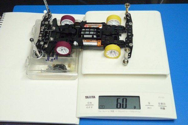 TOYz BAR☆ミニ四駆、スケール1台で前後重量配分を測定。