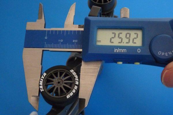 TOYz BAR☆ミニ四駆GUP 95323 スーパーハード ローハイトタイヤ (ブラック)。直径。