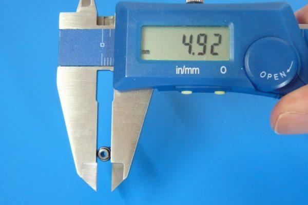 TOYz BAR☆ミニ四駆GUP 15453 カーボン強化8Tピニオンギヤ(6個)。サイズ測定。