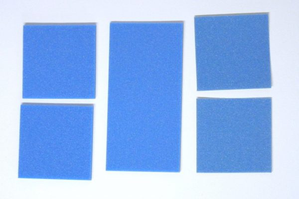 TOYz BAR☆ミニ四駆GUP 15512 ブレーキスポンジセット(マイルド 1/2/3mmブルー)。各種ブレーキスポンジの色合い。