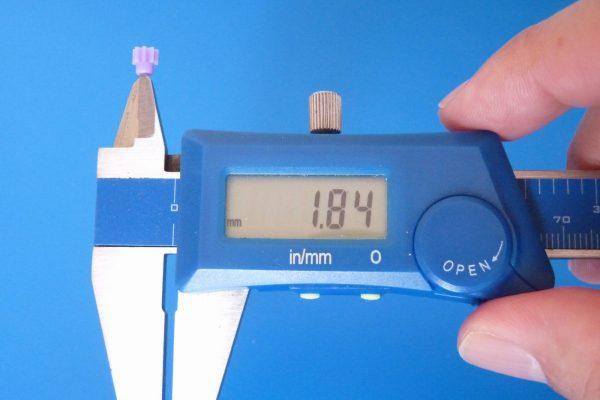 TOYz BAR☆ミニ四駆GUP 94577 AO-1014 8Tピニオンギヤ(プラスチック・10個)。ピニオンギヤのサイズ測定。