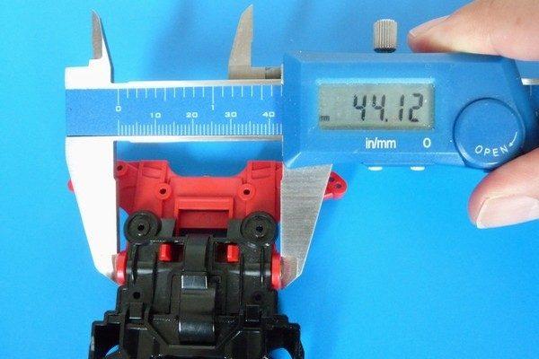 TOYz BAR☆ミニ四駆 15411 N-04・T-04強化ユニットと丸穴ボールベアリング。幅測定。