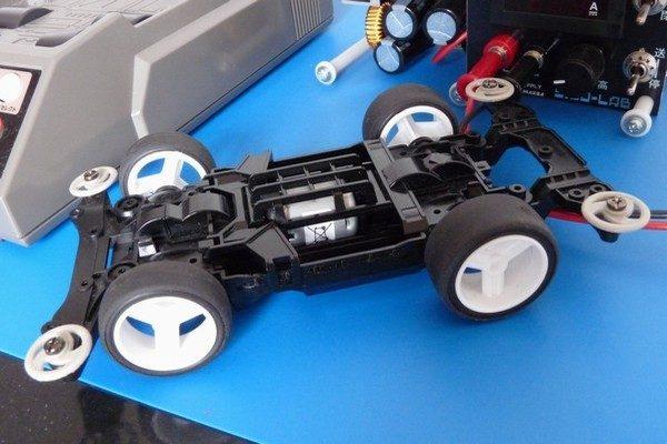 TOYz BAR☆ミニ四駆 丸穴ボールベアリング、スピードチェッカーで計測。