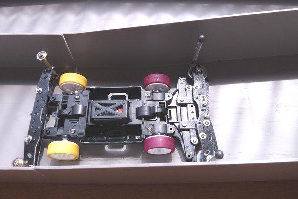 TOYz BAR☆ミニ四駆、調整可能なフロントブレーキ。
