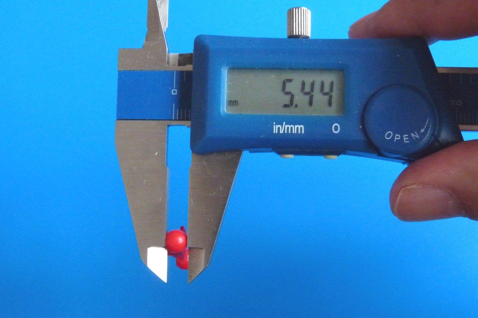 TOYz BAR☆ミニ四駆・15386 ボールスタビキャップ(ブライト)。サイズ測定。