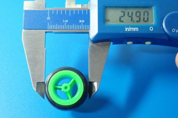 TOYz BAR☆ミニ四駆GUP 15239 中空ゴム小径タイヤセット(ホイール付)。タイヤ径測定。
