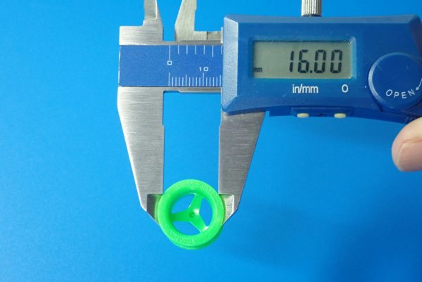 TOYz BAR☆ミニ四駆GUP 15239 中空ゴム小径タイヤセット(ホイール付)。ホイールサイズ測定。