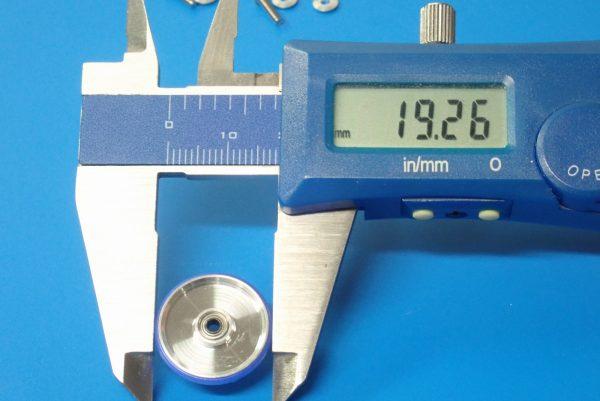 TOYz BAR☆ミニ四駆GUP 15426 19mmプラリング付アルミベアリングローラー(ディッシュタイプ)。直径測定。