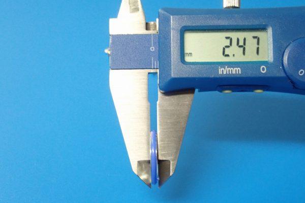 TOYz BAR☆ミニ四駆GUP 15426 19mmプラリング付アルミベアリングローラー(ディッシュタイプ)。厚み測定。