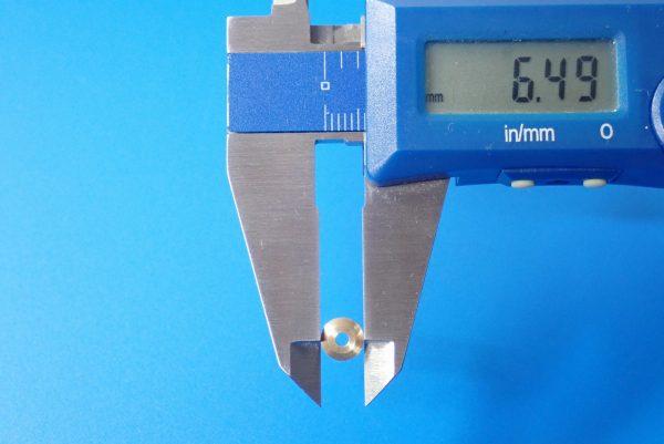 TOYz BAR☆ミニ四駆GUP 15345 ローラー用11mmボールベアリングセット。スペーサーのサイズ測定。