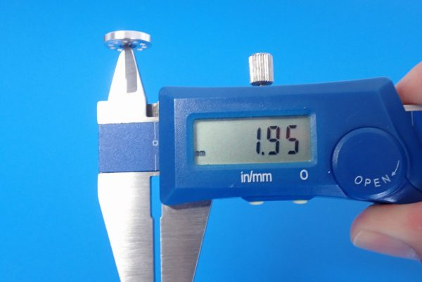 TOYz BAR☆ミニ四駆GUP 95301 軽量13mmオールアルミベアリングローラー。サイズ測定。
