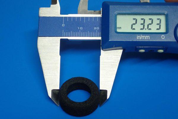 TOYz BAR☆ミニ四駆GUP 15507 HG 低反発スポンジタイヤ(大径ナローホイール用)。低反発スポンジタイヤ、サイズ測定。