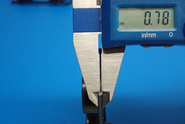 Yz BAR☆ミニ四駆GUP 95371 ハード大径ローハイトタイヤ&カーボン強化6本スポークホイール。フランジ部分厚さ測定。