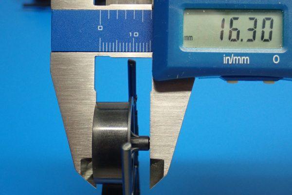 Yz BAR☆ミニ四駆GUP 95371 ハード大径ローハイトタイヤ&カーボン強化6本スポークホイール。ホイール幅測定。