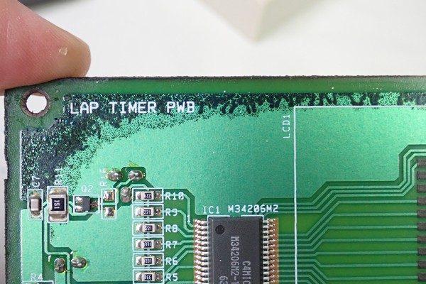 TOYz BAR☆壊れたタミヤ ミニ四駆ラップタイマー 15184を分解。基板表側の腐食。