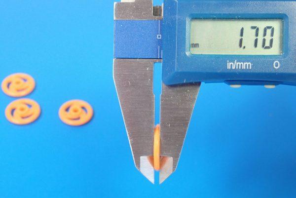 TOYz BAR☆15381 低摩擦プラローラーセット/ミニ四駆グレードアップパーツ。16mm低摩擦プラローラー寸法測定。