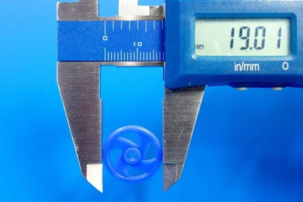 TOYz BAR☆95391 低摩擦プラローラーセット (ブルー&ライトグリーン)。19mm低摩擦プラローラー(ブルー)、サイズ測定。