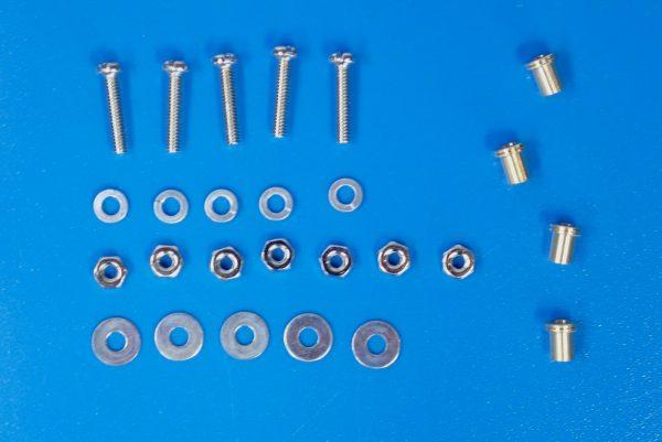 TOYz BAR☆95391 低摩擦プラローラーセット (ブルー&ライトグリーン)。16mm低摩擦プラローラー(ライトグリーン)、ナットが2個多い。