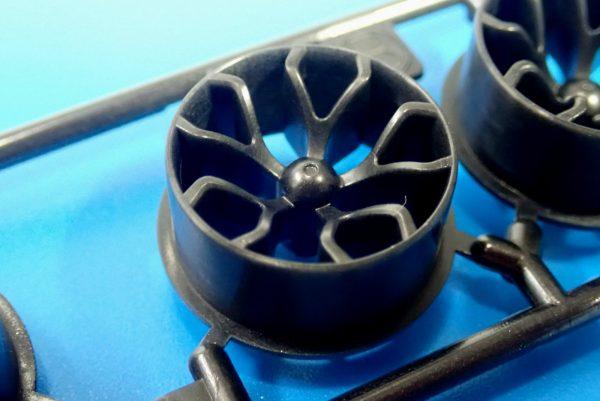 TOYz BAR☆95412 ハードローハイトタイヤ(シルバー)&カーボン強化ホイール(Yスポーク)。ホイール表側詳細写真。