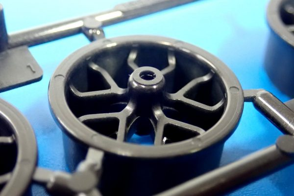 TOYz BAR☆95412 ハードローハイトタイヤ(シルバー)&カーボン強化ホイール(Yスポーク)。ホイール裏側詳細写真。