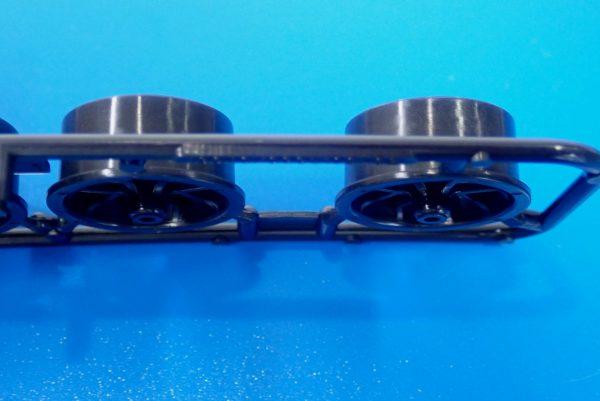 TOYz BAR☆95412 ハードローハイトタイヤ(シルバー)&カーボン強化ホイール(Yスポーク)。ホイールのオフセット。