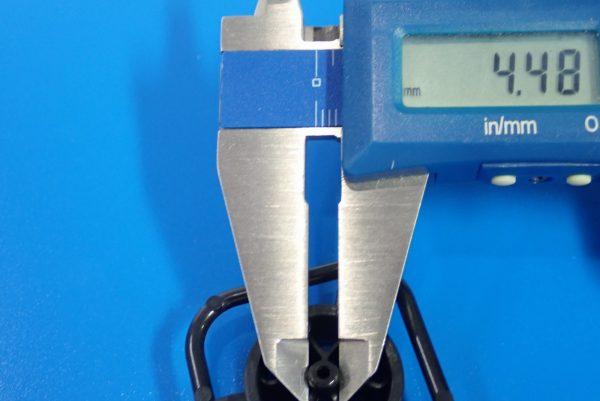 TOYz BAR☆95412 ハードローハイトタイヤ(シルバー)&カーボン強化ホイール(Yスポーク)。ホイール軸受け接触面。