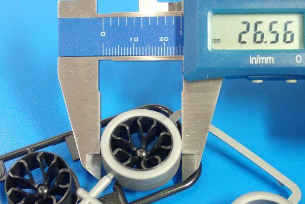 TOYz BAR☆95412 ハードローハイトタイヤ(シルバー)&カーボン強化ホイール(Yスポーク)。タイヤ直径測定。